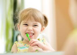 Ciptakan kegiatan sikat gigi menjadi menyenangkan